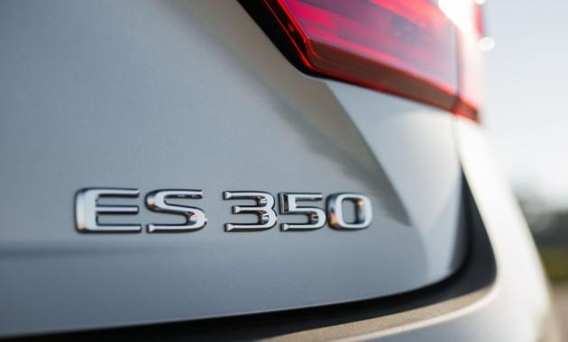 Lexus ES нового поколения получил дизайн в духе флагманского седана LS